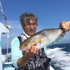 10月5日(火)午前便・タテ釣り・午後便・真鯛釣りの写真その1