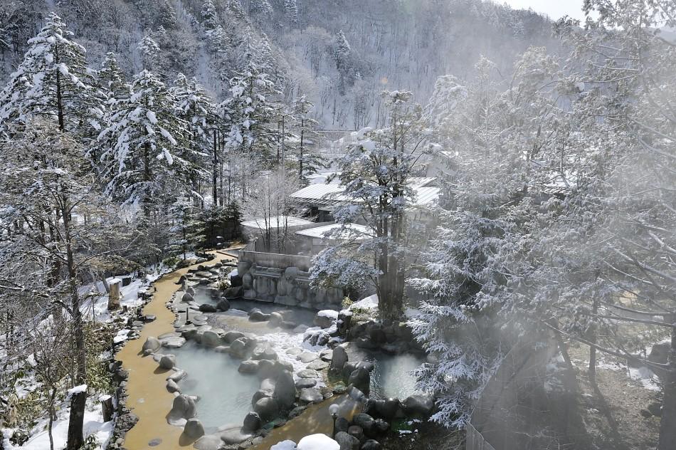 【画像】12月2日~7日 ひらゆの森休館のおしらせ