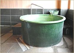 12畳+7.5畳+半露天陶器風呂付客室露天風呂